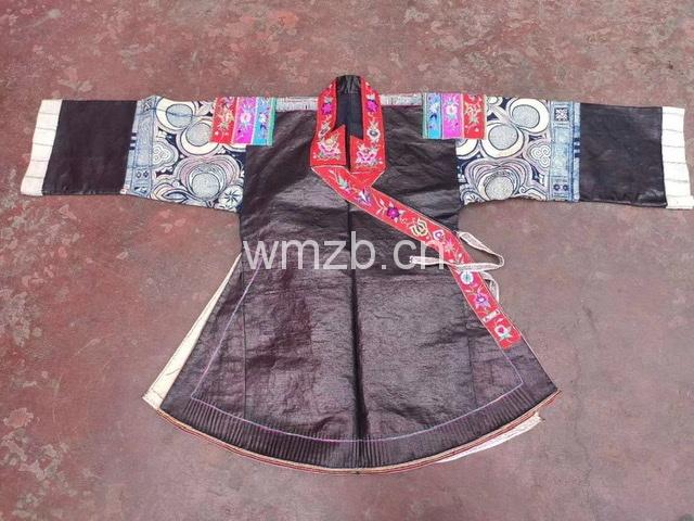 贵州丹寨白领苗蜡染上衣