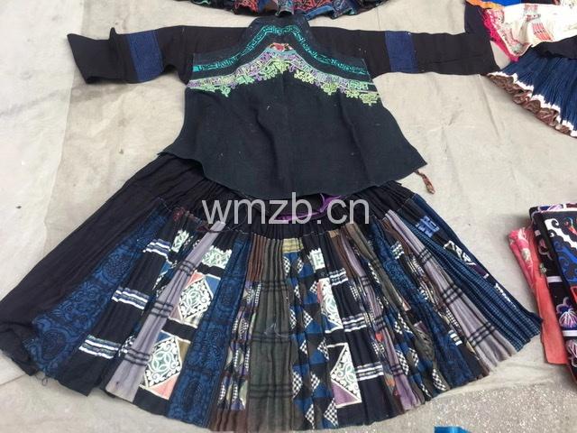 贵州惠水苗族刺绣蜡染套装
